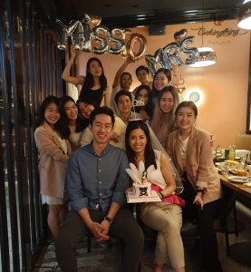 Review Hennight party